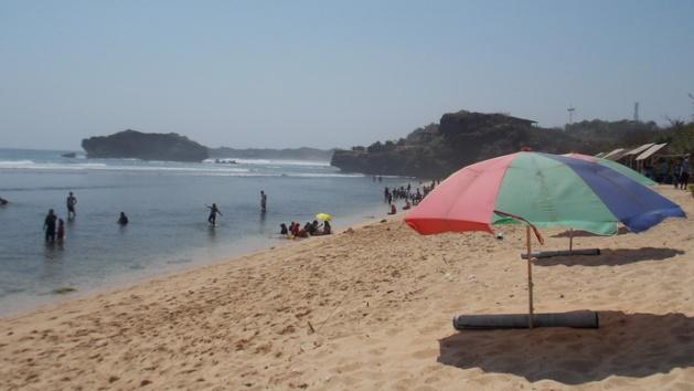 Pantai Sundak (1)