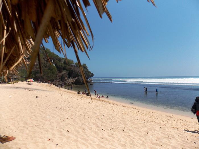 Pantai Sundak (12)