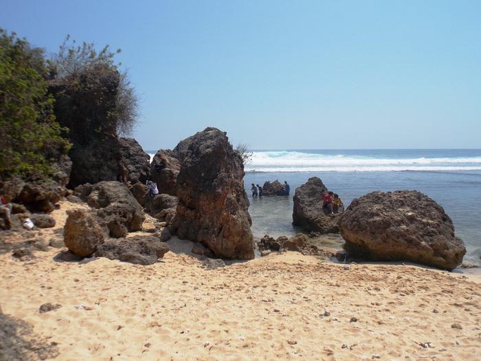 Pantai Sundak (8)