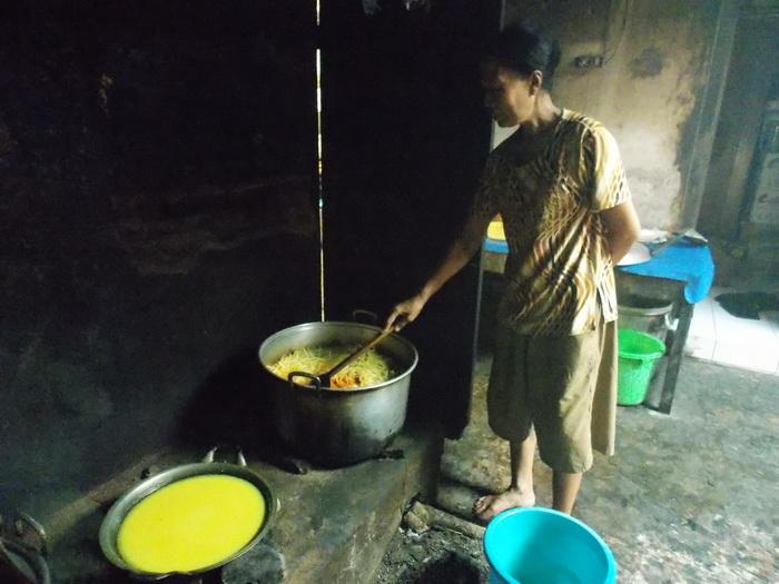 Centra Pembuatan Nasi Liwet (4)