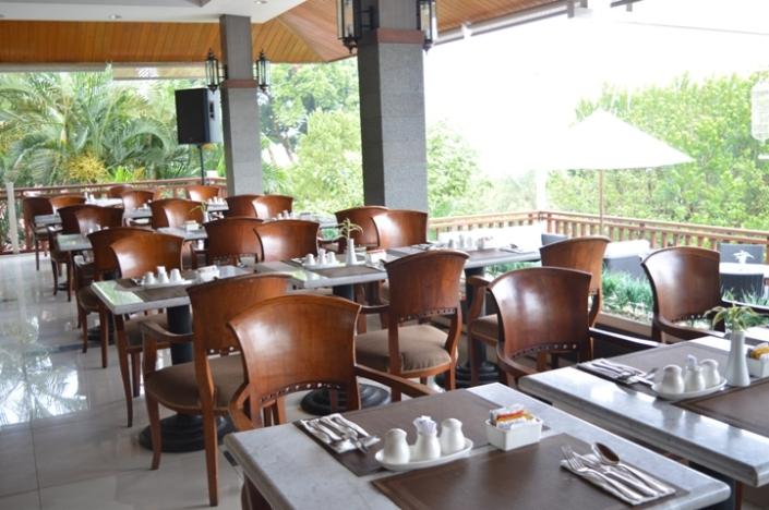 Breakfast Puri Asri Resort (13)