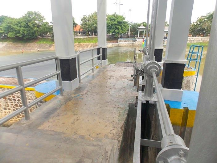 wisata-banjir-kanal-1