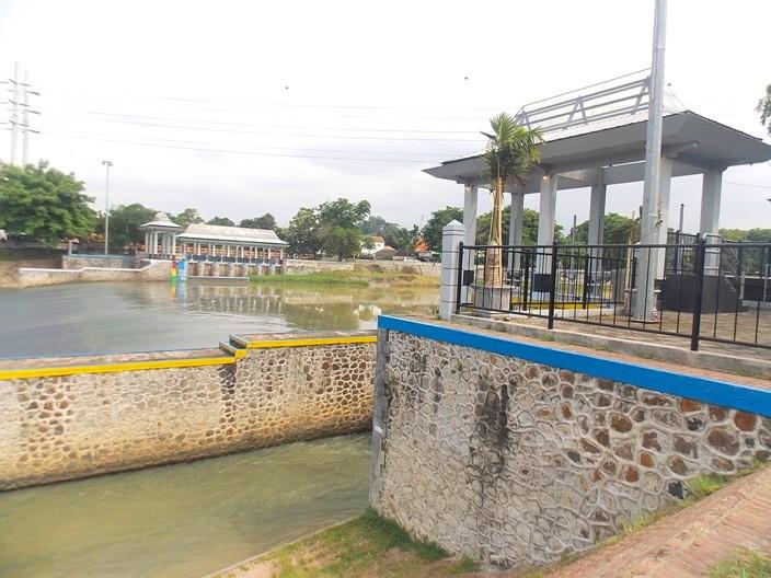 wisata-banjir-kanal-2
