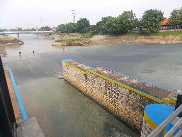 wisata-banjir-kanal-6