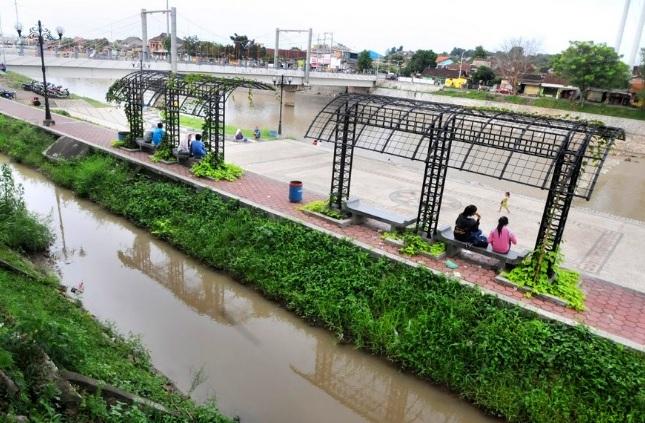 wisata-banjir-kanal